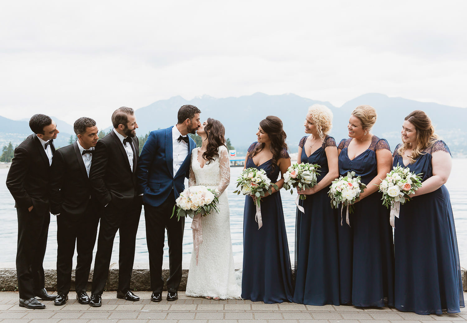 Informal wedding party portrait | Photo: Camilla Anchisi