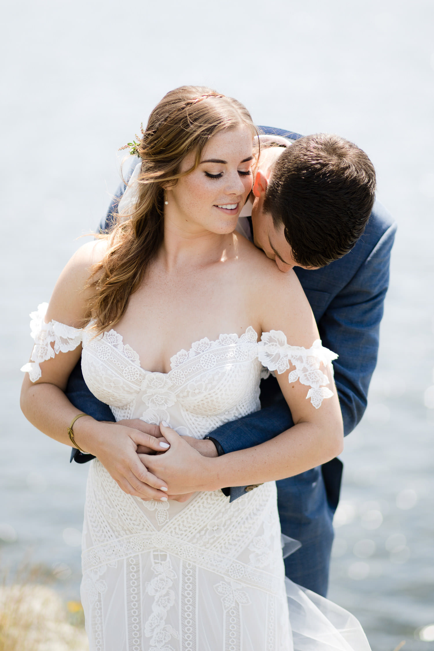 Seaside first look with Rue De Seine bride | Photo: Camilla Anchisi - Italian destination wedding photographer
