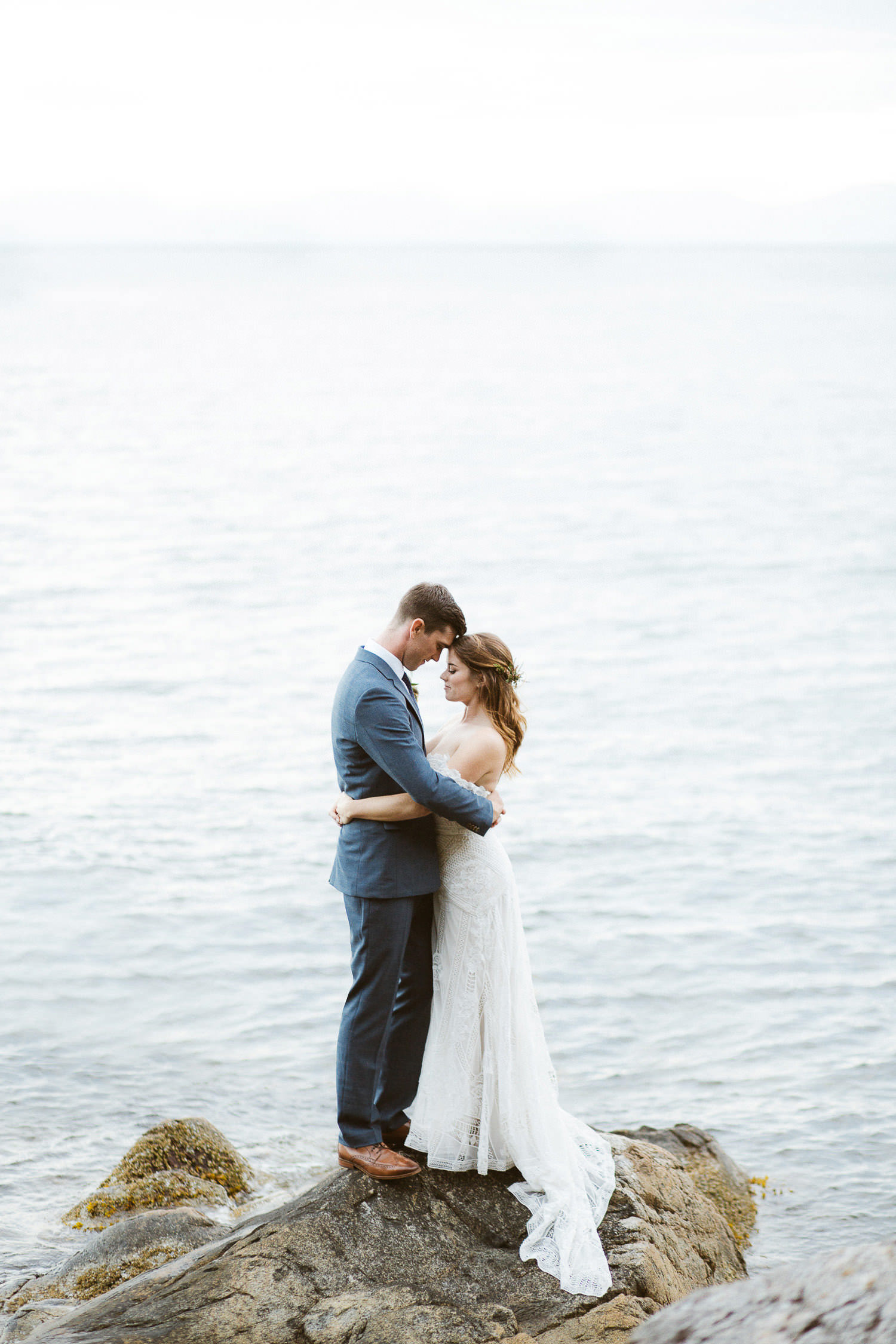 Romantic & Intimate boho wedding with a gorgeous Rue De Seine bride | Photo: Camilla Anchisi