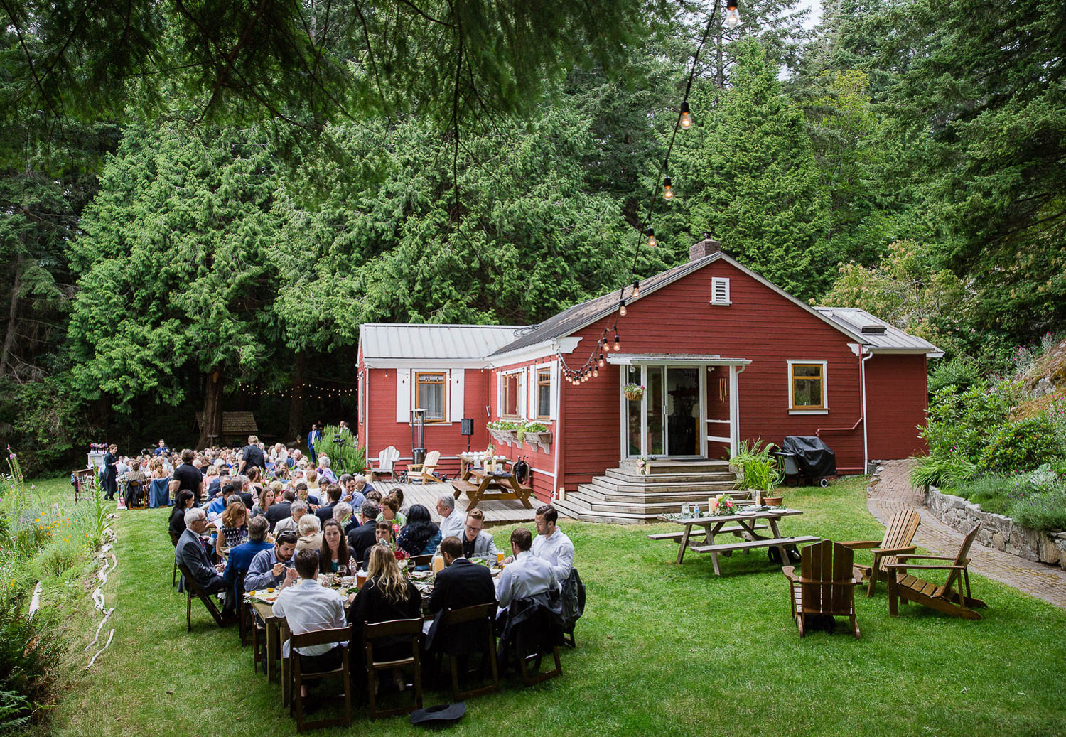 Wedding reception overlooking the ocean - Floral decor