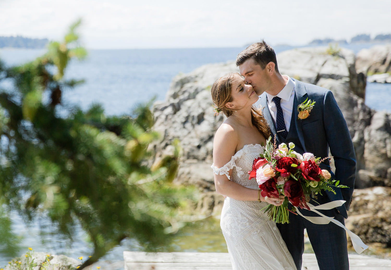 Seaside Boho wedding with a gorgeous Rue De Seine bride | Photo: Camilla Anchisi