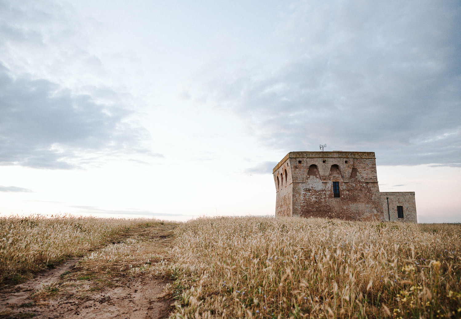 Romantic Apulia elopement at Torre GIaceto Riserva Naturale