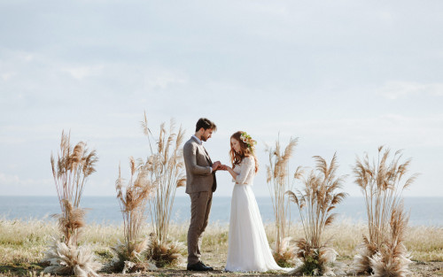 Romantic Apulia Elopement - Apulia wedding Photos: Camilla Anchisi Photography