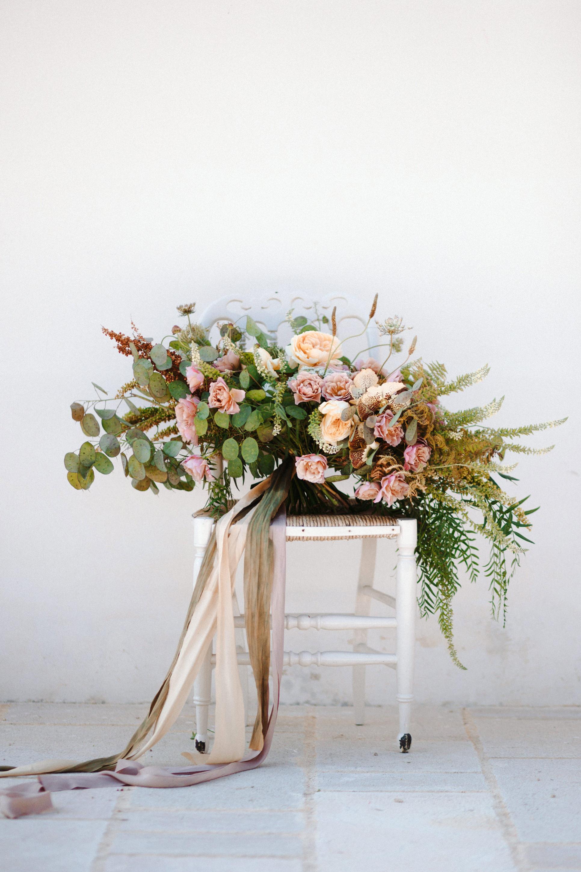 Romantic elopement in Apulia | Apulia elopement | Apulia wedding Masseria Alchimia - Fasano  Photos: Camilla Anchisi Photography  Planning: Camilla Cascino Weddings | Flowers: Chiara Sperti Floral Events