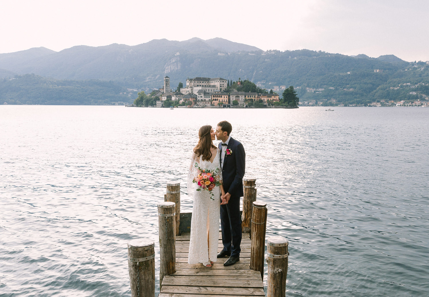 Destination wedding in Italy: intimate wedding in Orta San Giulio, Lake Orta | Photo: Camilla Anchisi - Italian wedding photographer