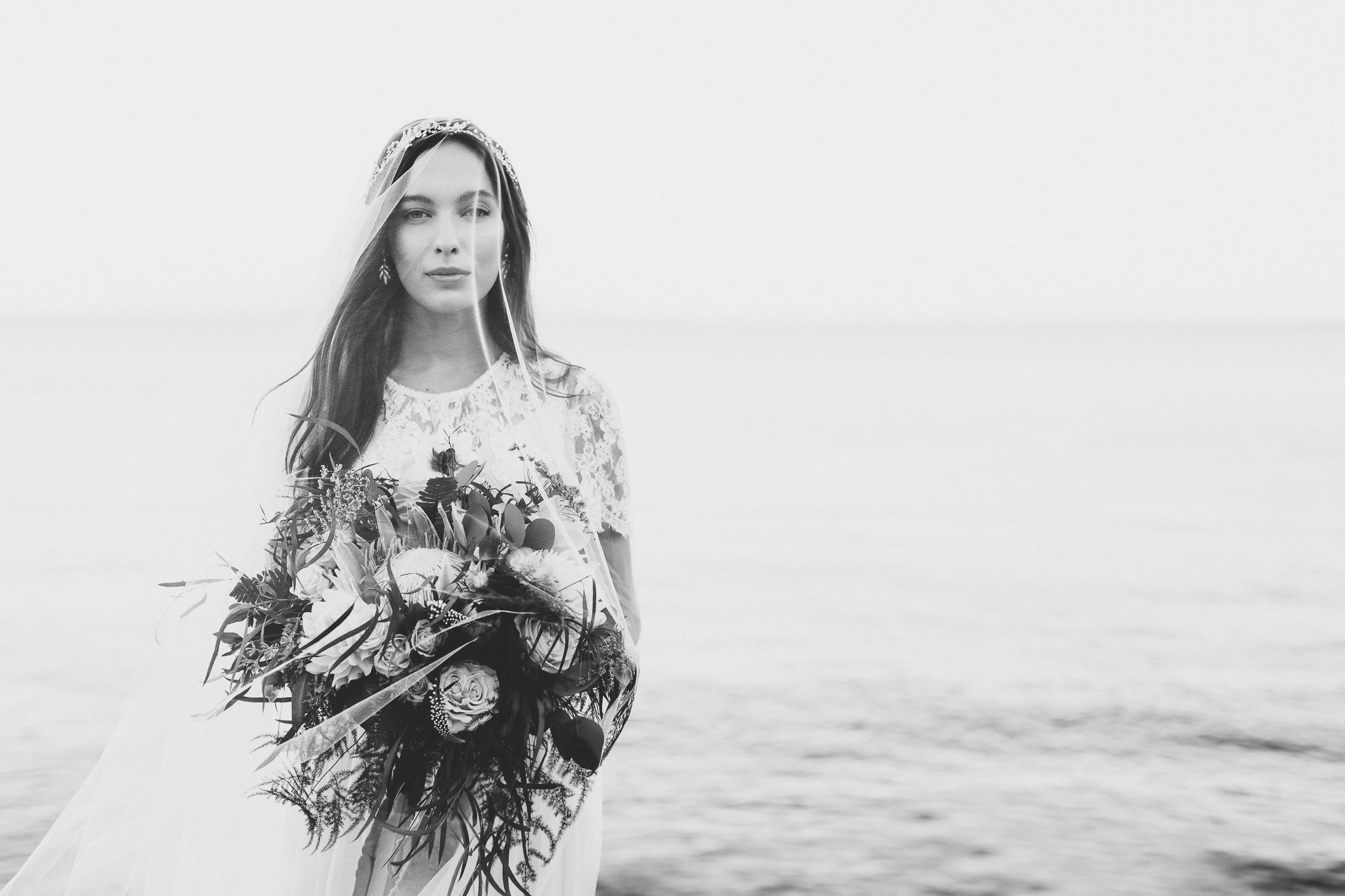 Ethereal bride - Boho wedding in Italy | Photo: Camilla Anchisi Photography