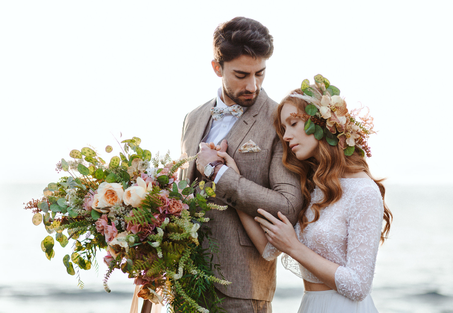 Romantic Puglia Elopement with organic-inspired floral arrangements | Photo: Camilla Anchisi