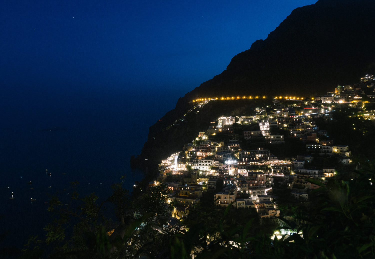Positano by night, view from Villa San Giacomo | Photo: Camilla Anchisi Photography | Planning: Weddings Italy by Regency