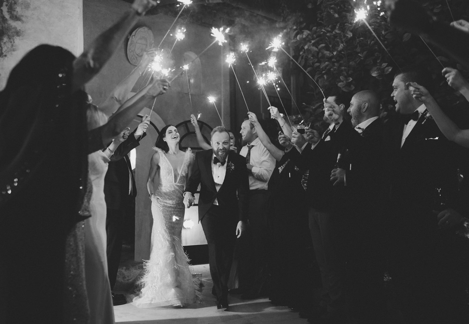 Wedding Sparkle exit at Villa San Giacomo Positano | Photo: Camilla Anchisi Photography | Planning: Weddings Italy by Regency